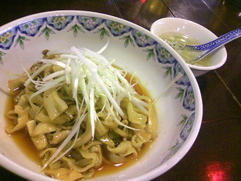 スーラー油麺(刀切麺)